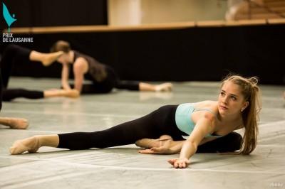 modern tánc nyújtózkodás