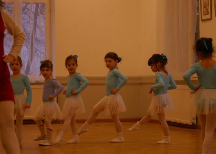 Féléves balett bemutató órák 2017
